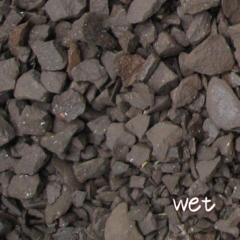 今だけスーパーセール限定 送料無料 環境配慮 着後レビューで 防犯対策にもきれいな砂利でお庭が変わります 20kg レンガの砂利 ダークブラウンクラッシュブリック 20kg×1袋 5cm厚で約0.36平米分 60cm×60cm程度 花壇 大量 レンガ砕石 植え込みレンガチップ 庭 駐車場 アプローチ 砂利