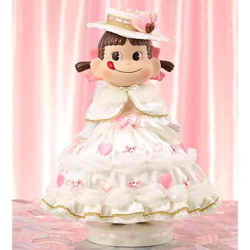 YEAR'Sペコちゃんドール2013年版ビスクドール2013スイーツの国のプリンセスペコちゃん人形【新品同様品】