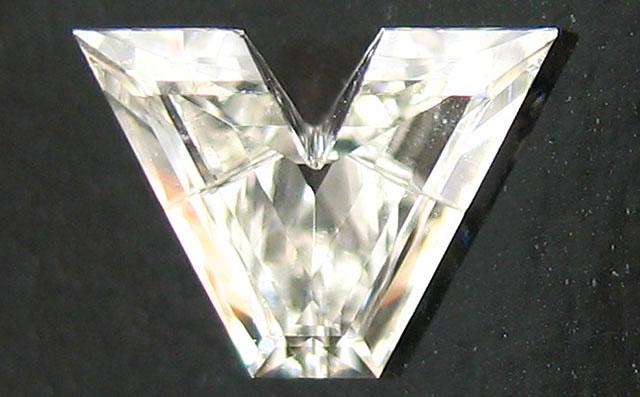 「V」字形 ダイヤモンド ルース 0.207ct, Iカラー, VS1, 中央宝石研究所 イニシャルが「V」「A」の方に。【送料無料】
