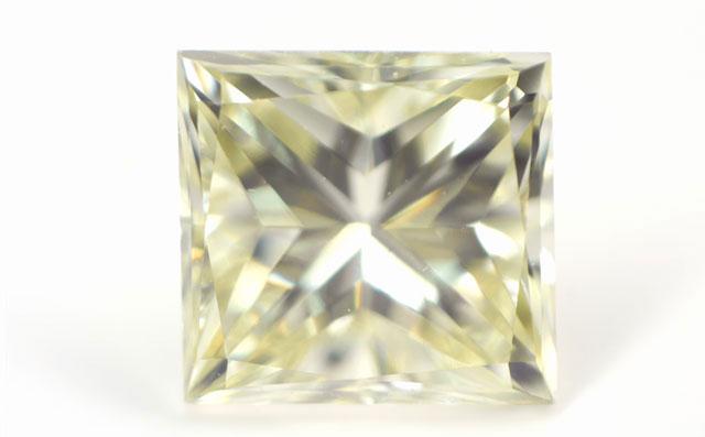 今だけ限定15%OFFクーポン発行中 送料無料 Q-Rカラー イエローダイヤモンド ルース Qカラー-Rカラー 天然イエローダイヤモンド 裸石 0.358ct Very 最新号掲載アイテム Yellow CGL Light VS-1 VVS-2 AGT プリンセス 中央宝石研究所ソーティング袋付