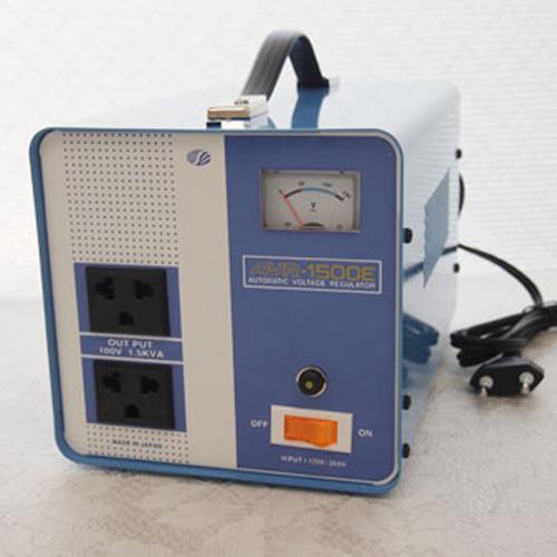新品?正規品  プラス AVR-1500E【納期目安:2週間】:家電のタンタンショップ 1500W 電圧安定装置170~260V→100V スワロー電機-DIY・工具