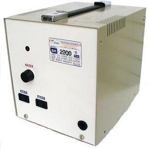 日章工業 アップ/ダウントランス(AC220⇔AC100V、2200W) SK-2200E