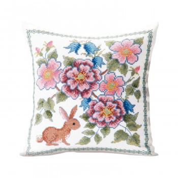 【送料無料】 オノエ・メグミ 刺しゅうキットシリーズ 花咲く庭の小さな物語 -テーブルセンター- ブルーベリーとウサギ 1202 CMLF-1643424【納期目安:1週間】
