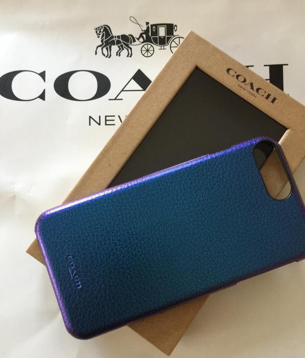【日本在庫・即発送】COACH コーチ メンズ iPhoneケース iPhone 8 Plus/7 Plus /6S Plus メタリックブルー  青 iPhone 8Plus/7Plus /6S Plus ケース レザー F34717
