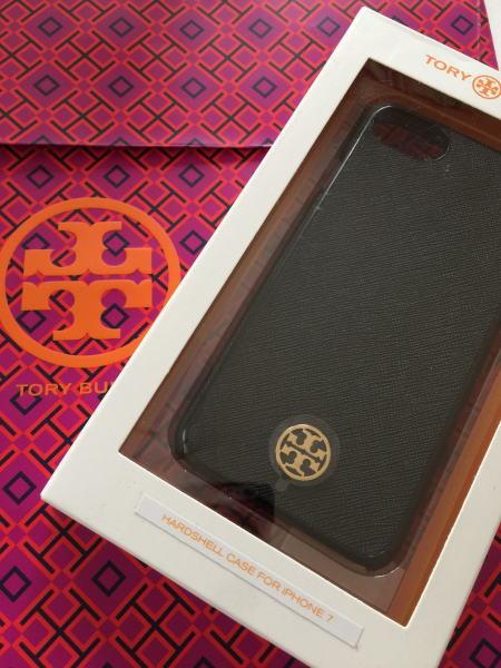 トリーバーチ TORY BURCH  ロビンソン ハードシェル ケース iPhone7対応 アイフォンケース 黒 ブラック 36244 【即発送】