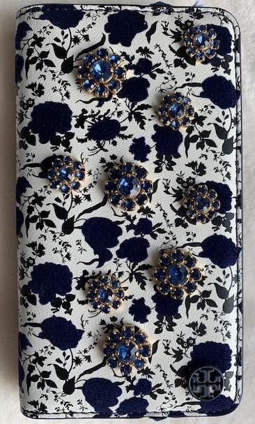 トリーバーチ TORY BURCH  トリーバーチ キラキラ ブルービジューの花 カード入れ付き iPhone7/8手帳型 レザー 50434【即発送】