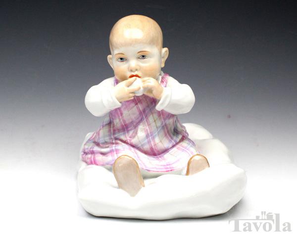 【全品ポイント9倍(要エントリー)】マイセン 人形 900100-73355 クッションに座る子供【あす楽対応】[決算SALE第2弾]