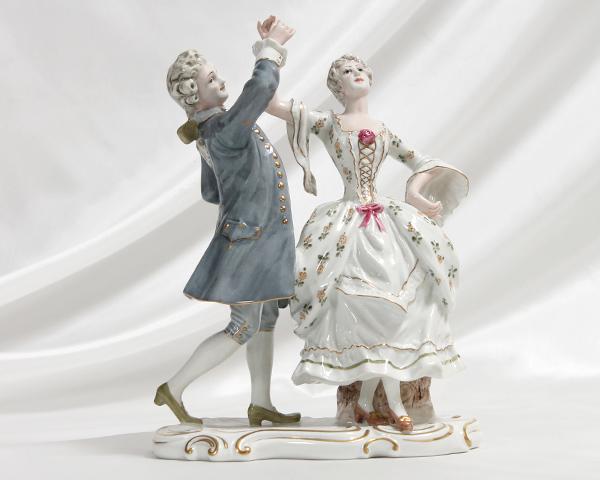 【P5倍/マラソン限定(要エントリー)】【廃番品】 リチャードジノリ 人形 (ダンスをする男女) [送料無料]【ジノリ リチャード・ジノリ】【ラッキーシール対応】【あす楽対応】