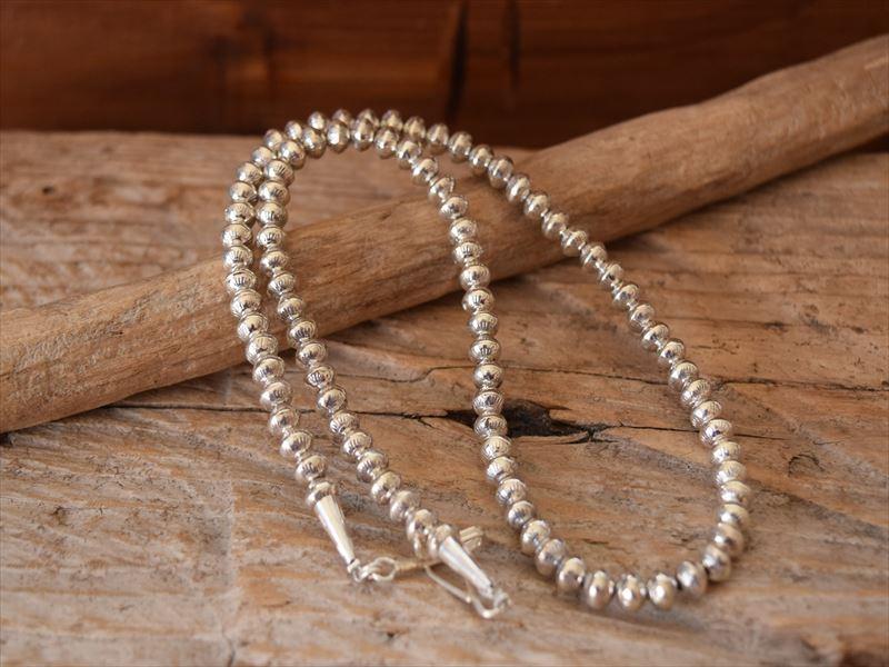 Indian Jewelry ナバホ族 サンドラ ザンブラーノ(Sandora p.Zambrano) シルバー ボールチェーン ナバホパール Stamed ネックレス (6mm) s4