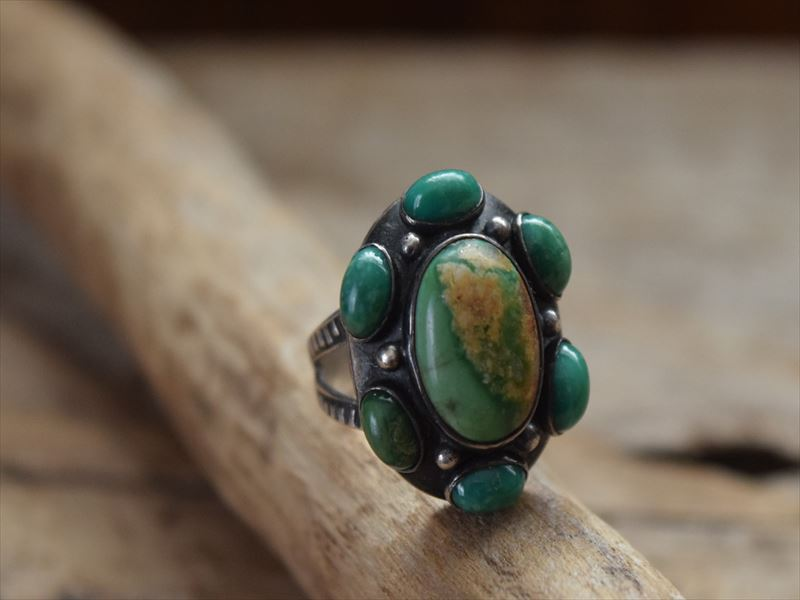 Vintage Indian Jewelry ナバホ族 7ターコイズ & Stamped シルバー リング(11.5号)