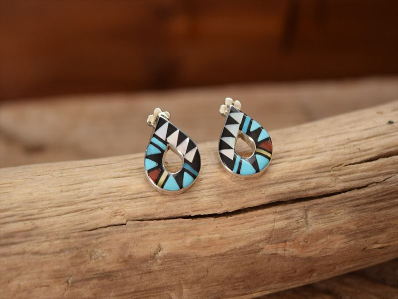 Indian Jewelry ズニ族 マルチ インレイ ポスト ピアス by Angelina Laahty