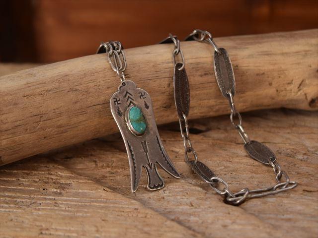 Vintage Indian jewelry サンダーバード 卍Stamped &オリジナルチェーン Fred Harvey Style