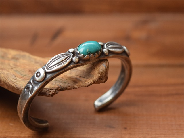 Indian Jewelry ジョック フェーバー(Jock Favour)コインシルバー バングル j-5