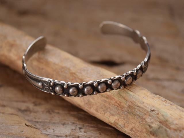 Vintage Indian Jewelry Silver Arrow シルバー ドーム バングル (fred Harvey era)