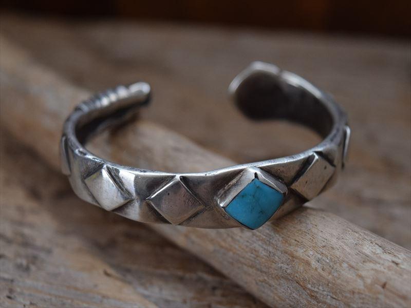 Indian Jewelry ジョック 激安格安割引情報満載 フェイバー Jock 今季も再入荷 スネーク コインシルバー バングル Favour
