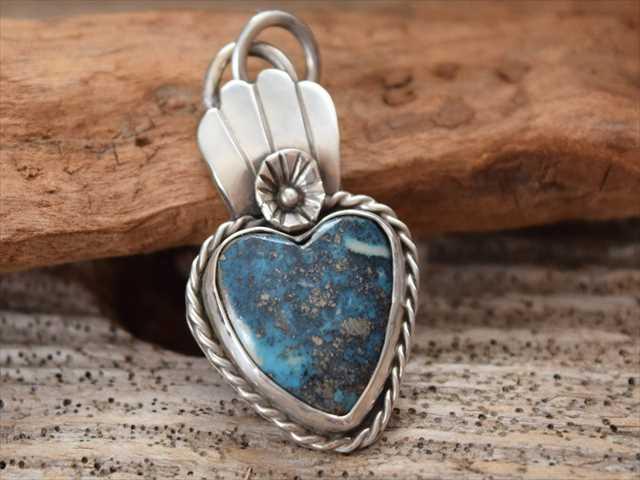 インディアン ジュエリー Heart Turquoise ペンダント made by The Garrison Jewelry (レイチェル ギャリソン)Rachel Garrison 1