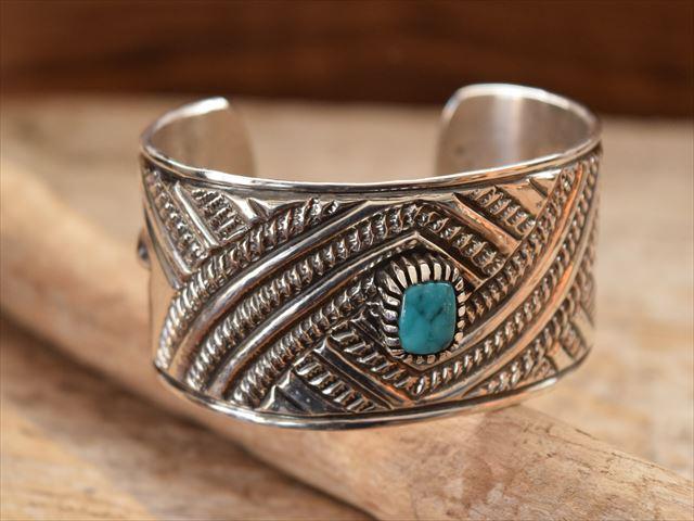 Indian Jewelry ナバホ族 クリスビリー(Chris Billie) トゥーファキャスト ワイド バングル krs