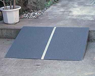 車椅子 スロープ・車椅子用段差解消PVTポータブルスロープ アルミ1枚板タイプ[60cm](玄関用 階段用)( 母の日 プレゼント 2019 )