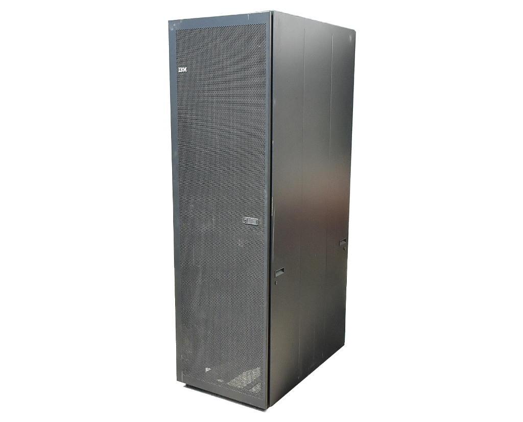 【送料無料対象外】IBM S2 42U スタンダードラック 9307-4RX 前後ドア及びサイドパネル天板あり キャスターあり 2UL字ラックレール1段装着済 【中古】【20181001】