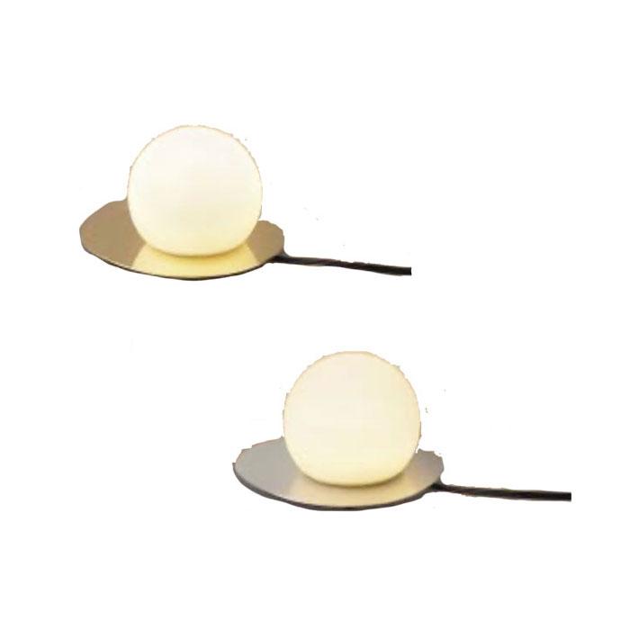 テーブルスタンド KOIZUMI 新商品 60W相当おしゃれ 金色メッキ ホワイトブロンズメッキ シンプル 丸 電球色 LED一体型シリコンセード採用により割れずに安心してご使用いただけます。帯電防止加工のため、ホコリが付きにくく、メンテナンスが容易です。