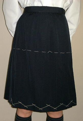 PS02紺冬スカート