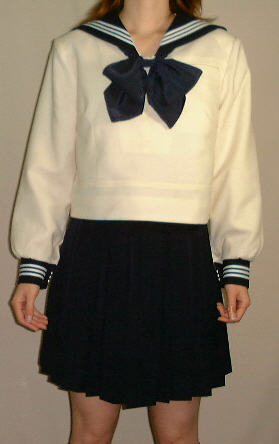 W18bigアイボリー色セーラー服 ビッグサイズ紺衿・カフス 白3本線