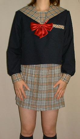 W04紺色セーラー服オシャレなチェック柄の衿!