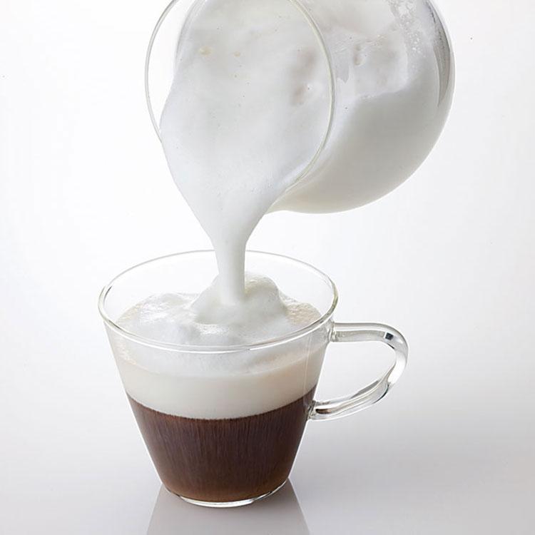 【おうちカフェ】バリスタ気分♪ふわふわなコーヒー作りにおすすめの電動クリーマーは?
