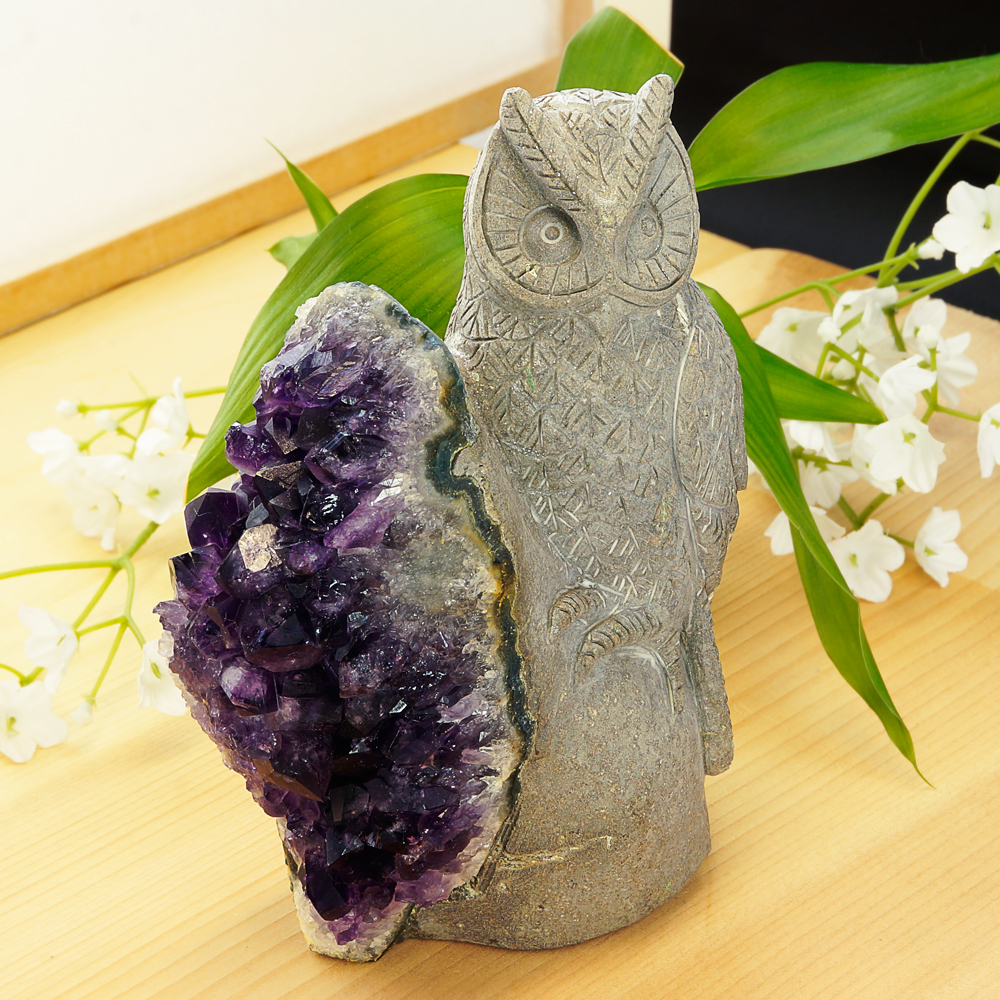 激レア! アメジストと熔岩石のコラボ 手彫り 彫刻 フクロウ 977g 天然石 パワーストーン インテリア 置物 雑貨 おしゃれ パープルカラー グレーカラー