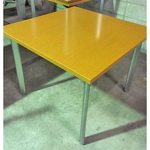 【中古】ウッドテーブル 幅900×奥行900×高さ700 【送料別途見積】【業務用】