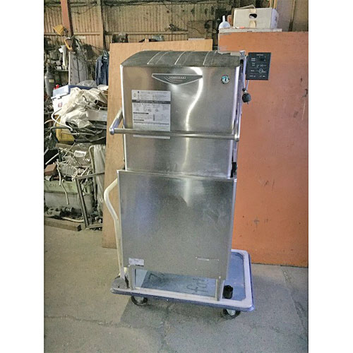 【中古】食器洗浄機ドアタイプブースター付き ホシザキ JWE-680A-Y 幅630×奥行720×高さ1420 三相200V 50Hz専用 都市ガス 【送料無料】【業務用】