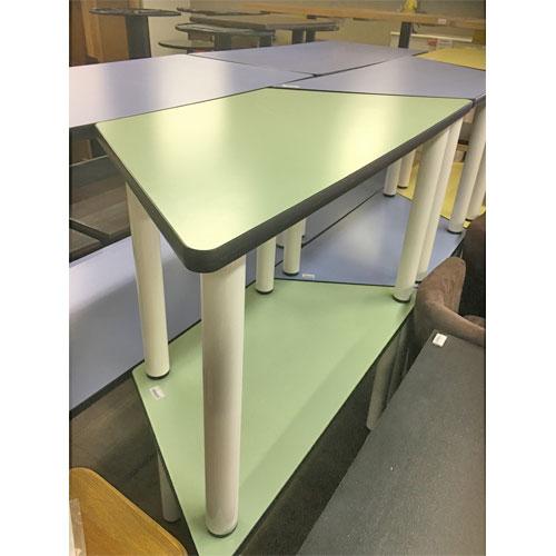 【中古】テーブル(台形) 幅1150×奥行520×高さ640 【送料無料】【業務用】