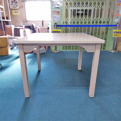 【中古】木製4脚テーブル 白 幅900×奥行900×高さ720 【送料無料】【業務用】