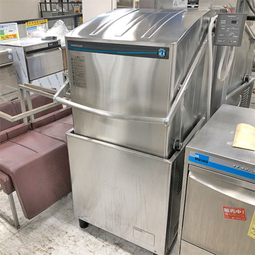 【中古】食器洗浄機 ホシザキ JWE-680UB 幅640×奥行655×高さ1435 三相200V 【送料別途見積】【業務用】