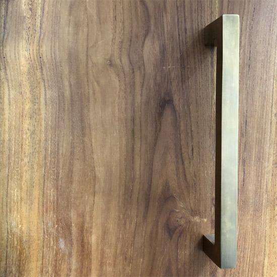 【新入荷】真鍮 ドアハンドル / アンティーク仕上げ 角タイプ-XL 248mm / 取手 引手 リフォーム DIY ブラス シンプル(JB-062)