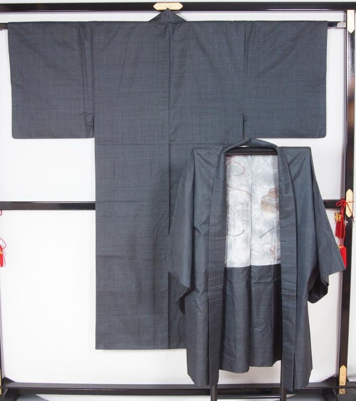 男物 大島紬アンサンブル 男着物 メンズ 正絹 着物  送料無料【中古】【リサイクル着物 中古品 着物 帯 きもの 正絹 kimono リサイクル帯 着物セット アンティーク着物 着物買い取り 着物買取 きもの天陽 きものてんよう】