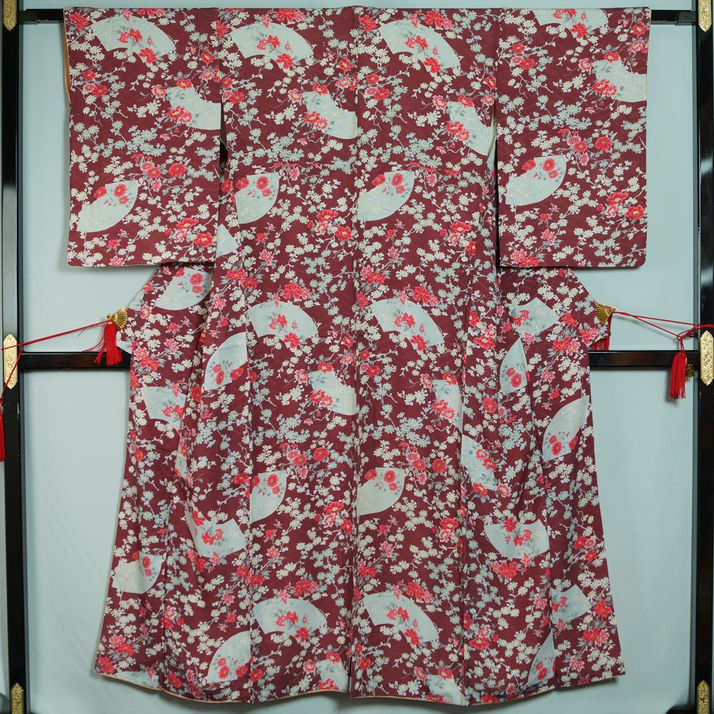 ヴィンテージ 小紋 地紙に洋花模様 豪華な 着物リメイク リフォーム用 正絹 中古 リサイクル着物 リサイクル小紋 中古着物 着物 リサイクル品 アンティーク着物 アンティーク など インテリア カジュアル 超激安 素材用