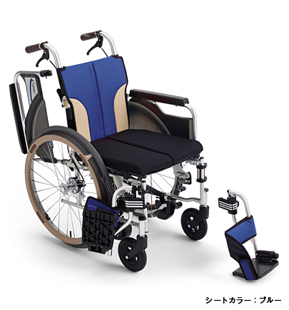 【送料無料】ミキ 自走型 車いすSKT-400Bノンバックブレーキスレンダー車いすパンチングレザーシート採用とまっティシリーズ