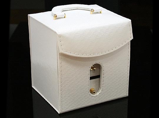 【ジュエリーボックス】 アクセサリーケース ホワイト 合成皮革&ベルベット 約115x100mm 白色