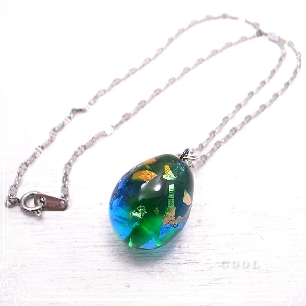 ブルーグリーン 銀箔 ガラス トンボ玉 ネックレス ステンレスチェーン 青 緑 ガラス/とんぼ玉 【ガラスアート COOL】