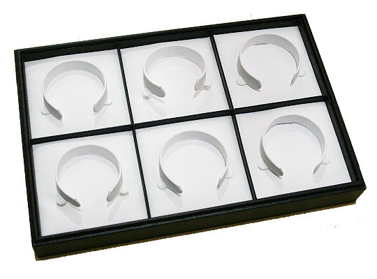 ブレスレットを美しく飾るブレスレットホルダーです ブレスレットホルダー 6本用 合成皮革 約305x205x45mm 安い 黒色《1個》 商品追加値下げ在庫復活 白色