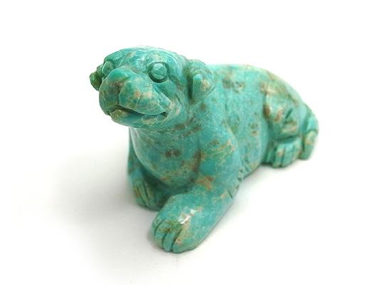 ターコイズ トルコ石 【彫刻1点もの】 犬 いぬ ドッグ 天然石 原石 コレクション 置物 インテリア