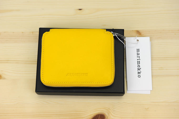marimekko(マリメッコ)『ILMA 』二つ折りの小銭入れ財布(色:イエロー)※日本正規取扱店 送料無料
