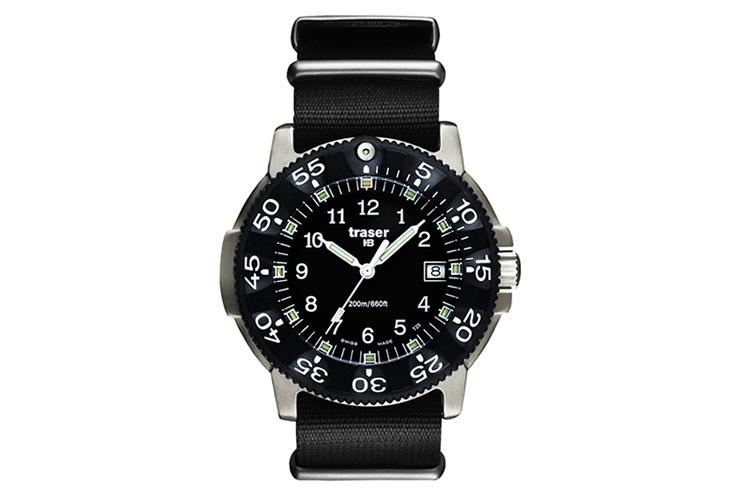 traser トレーサー 腕時計 人気 チタンモデル COMMANDER P6506.430.32.01