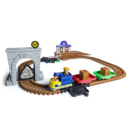 Paw Patrol, アドベンチャー Bay Railway トラック セット with Exclusive Vehicle, by Spin Master 「汎用品」(海外取寄せ品)