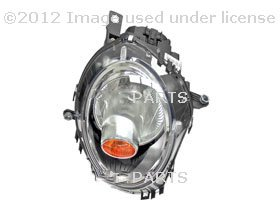Headlight Assembly (Halogen) with イエロー Turn Signal (海外取寄せ品)