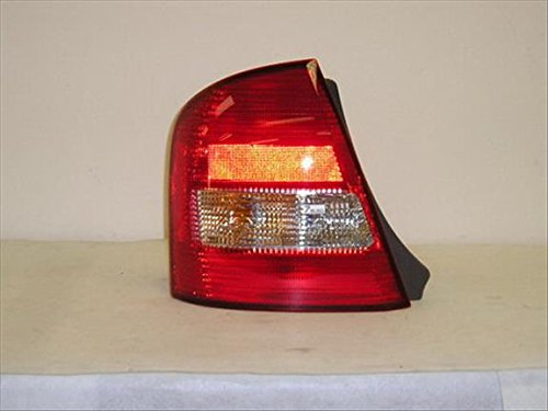 OE リプレイスメント Mazda Protege Passenger Side Taillight Assembly (Partslink ナンバー MA2801112) (海外取寄せ品)
