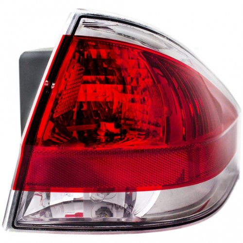 OE リプレイスメント Ford フォーカス Passenger Side Taillight Assembly (Partslink ナンバー FO2801218) (海外取寄せ品)