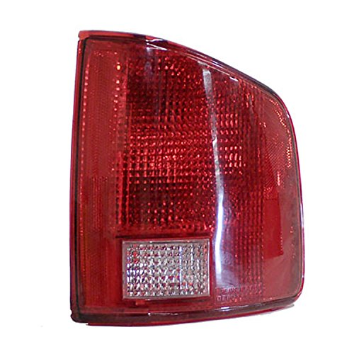 OE リプレイスメント Chevrolet/GMC Passenger Side Taillight Assembly (Partslink ナンバー GM2801168) (海外取寄せ品)
