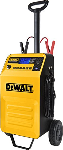 DEWALT DXAEC210 70 Amp Rolling バッテリー Charger with 210 Amp エンジン Start and 2 Amp Maintainer 「汎用品」(海外取寄せ品)